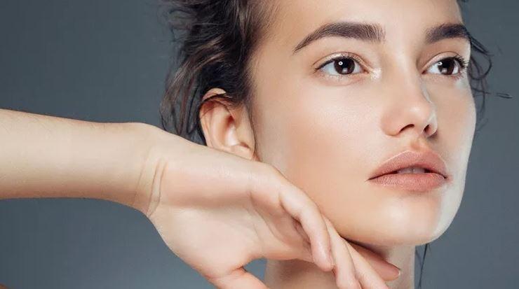 6 συμβουλές ομορφιάς για να δείχνεις φρέσκια χωρίς μακιγιάζ