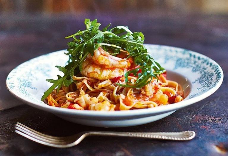 Τα πιο γευστικά λιγκουίνι με γαρίδες για να προετοιμαζόμαστε σιγά σιγά για την Καθαρά Δευτέρα