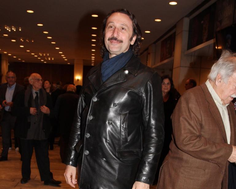 Αποστομωτικός Ρένος Χαραλαμπίδης: «Είδαμε να κάνουν εγκληματικές πράξεις μέτριοι καλλιτέχνες»