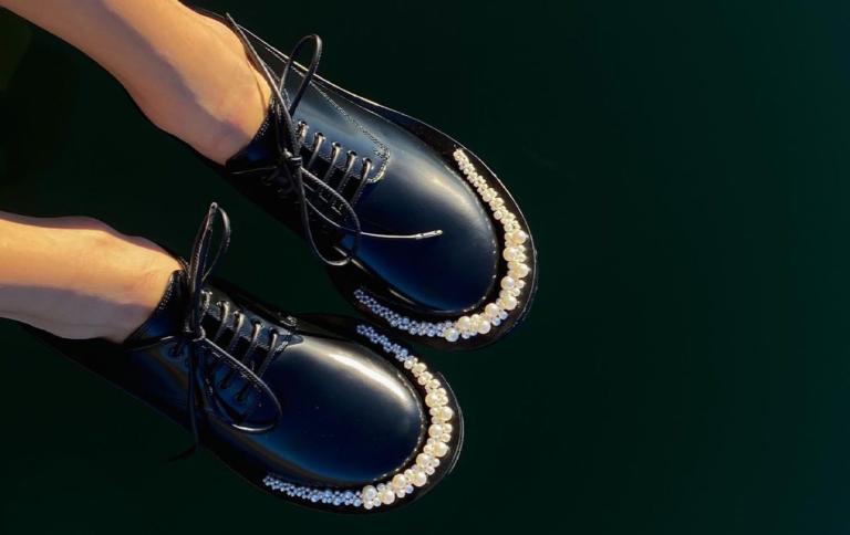 Αυτά τα παπούτσια ταιριάζουν με όλα τα ανοιξιάτικα σύνολά μας